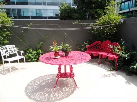 Sunny Courtyard - outside entertaining - St Kilda Rd- great location quiet courtyard, trams - Melbourne - rentals
