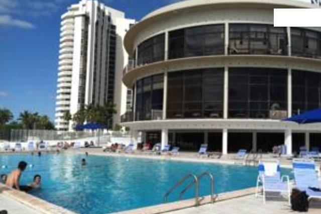 FANTASTIC BEACHFRONT LUXURY !! B-15 - Image 1 - Miami Beach - rentals
