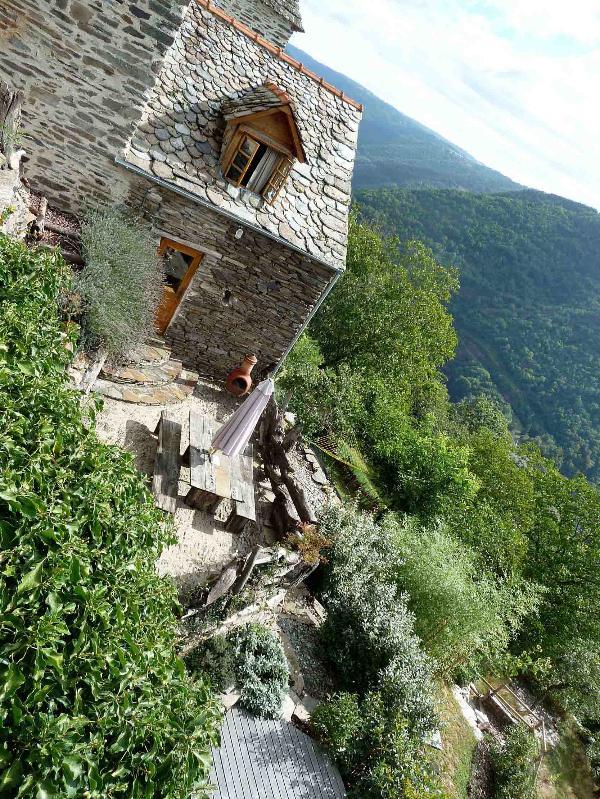 terrace and garden - Gite 4 Personne - Valon, Lacroix Barrez, Aveyron - Lacroix-Barrez - rentals