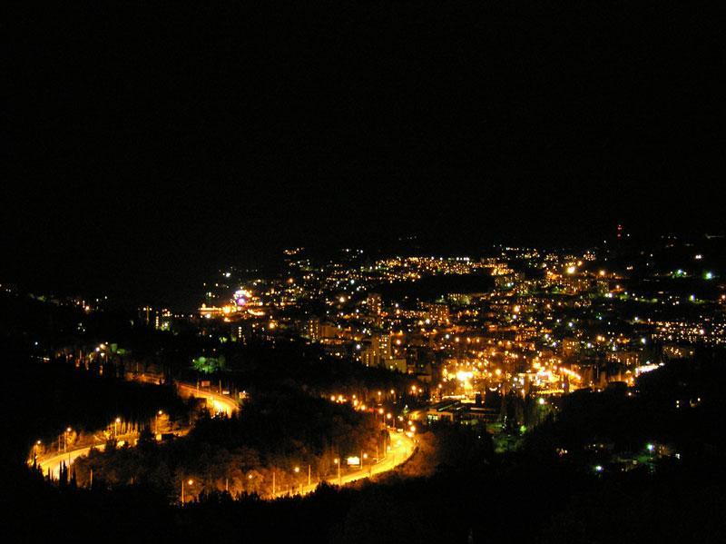 evening view from the window - house in Yalta Massandra - Yalta - rentals