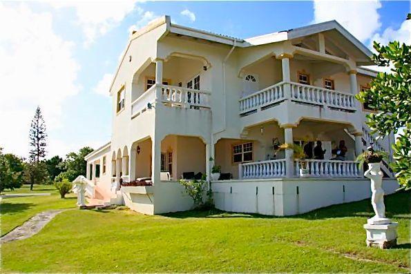 Evergreen House - Great Views - Oistins - rentals