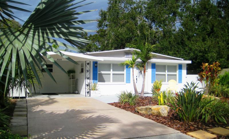 Downtown Sarasota Wood St. Cottage - Image 1 - Sarasota - rentals
