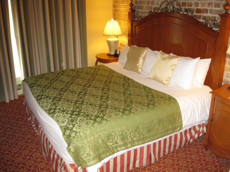 Master bedroom - New Orleans Jazz Fest-April 29-May 2, 2016 - New Orleans - rentals