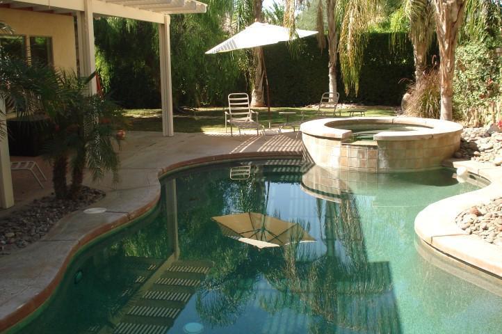 tropical pool and spa area - La Quinta 4 bedroom pool home - La Quinta - rentals
