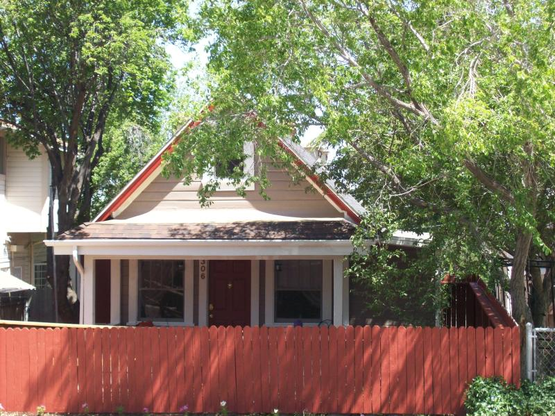 Front of House - Adorable Downtown Cottage - Prescott - rentals