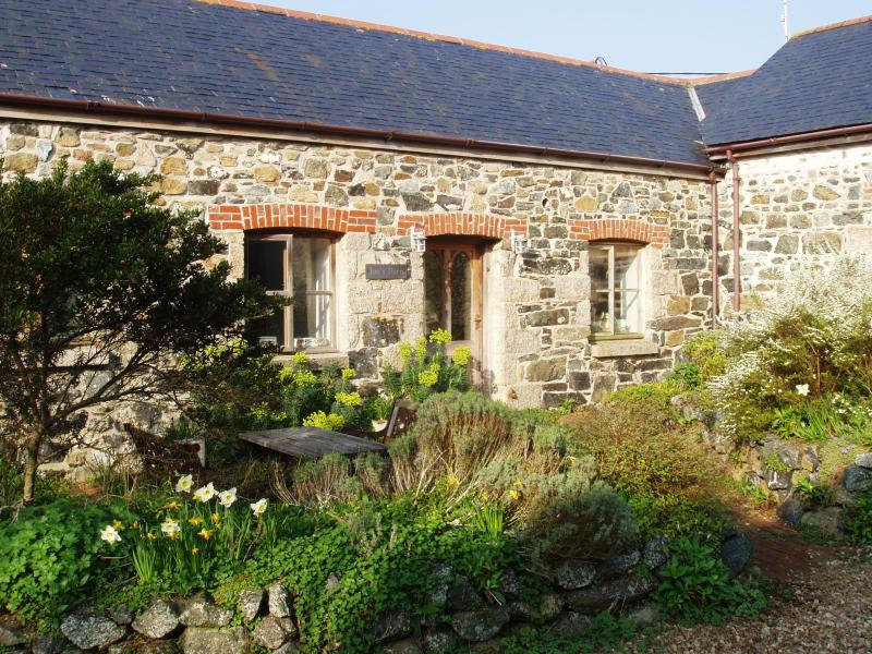 Front of Joe's Barn - 4-bed barn on edge of village - 10 minutes to sea - Mullion - rentals