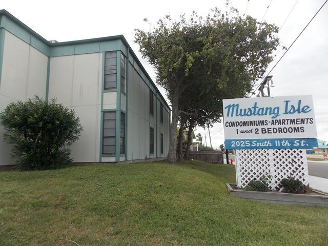 Mustang Isle Condo - Winter Texans Welcome - Image 1 - Port Aransas - rentals