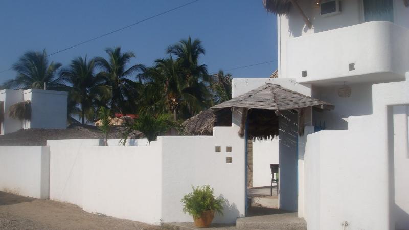 Villa Blanca Pie de la Cuesta Acapulco - Image 1 - Pie de la Cuesta - rentals