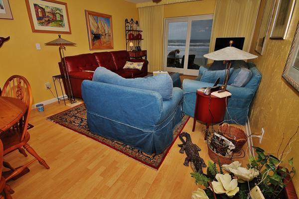 Cheery Living Room with Ocean View - Sea Coast Gardens III 104 - New Smyrna Beach - rentals