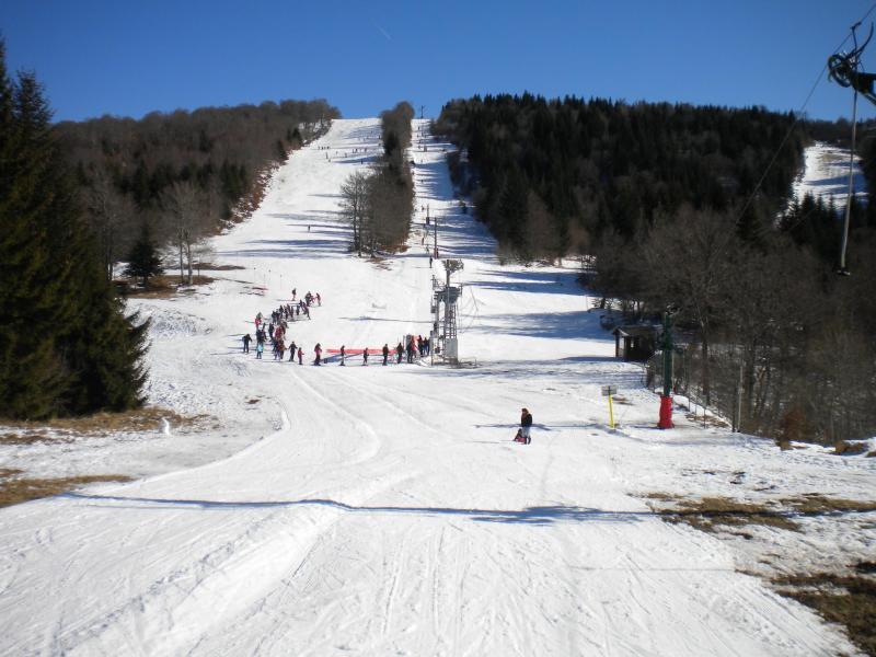 """Ski à côté de la Résidence - STUDIO SUR LE PLATEAU DE L'AUBRAC """" TERRE D'AUBRAC - Laguiole - rentals"""