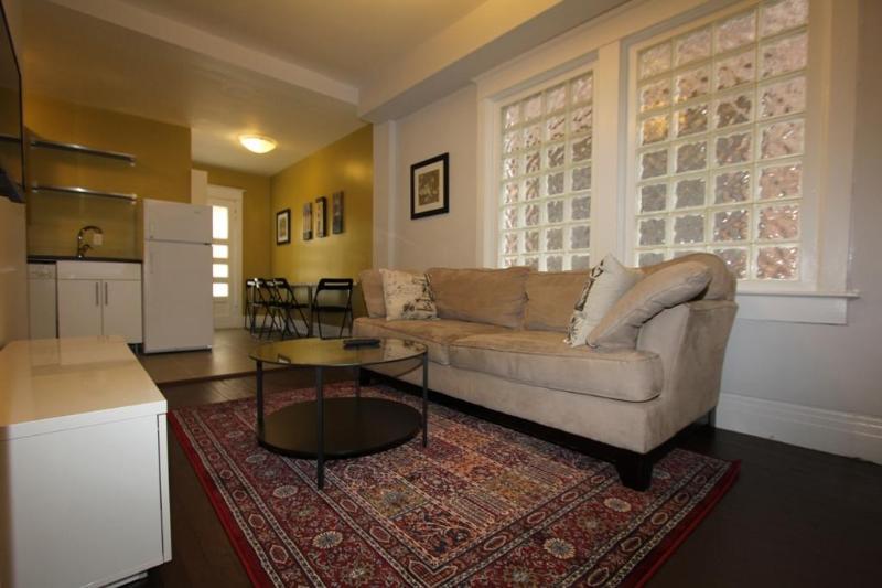 The Great Gerrard - Toronto Suite - Image 1 - Toronto - rentals