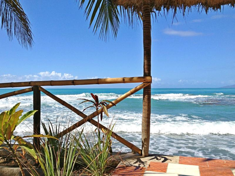 Relax with the cool breeze and rhythmic sounds of the sea. - Catch the Sea Breeze - Private Cottage - 5 - Jacmel - rentals