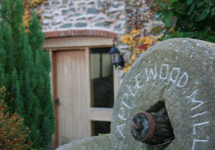 Applewood Mill - Applewood Mill Cottage, Hereford - Up to 4 guests - Hereford - rentals