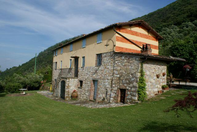 charming farmhouse, pool & views!!! - Image 1 - Lucca - rentals