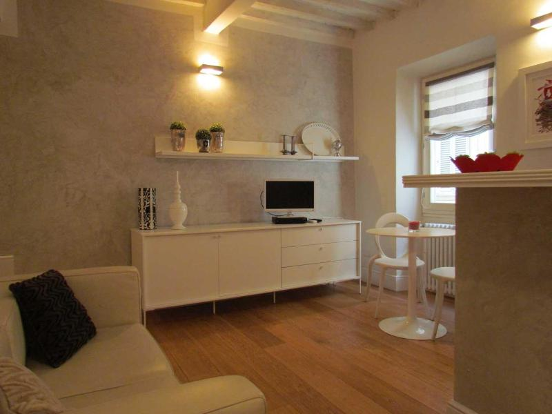Entry - Florence Apartments - Apartment Dado - Florence - rentals