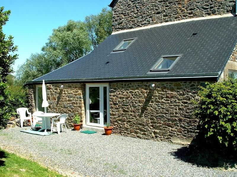 The cottage in summer - Mont St Michel Character Cottage in Market Town - Pontorson - rentals
