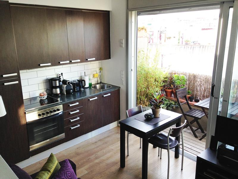 fully equipped kitchen next to outside area - PANORAMIC ATICO - mini-penthouse + terrace - Barcelona Province - rentals