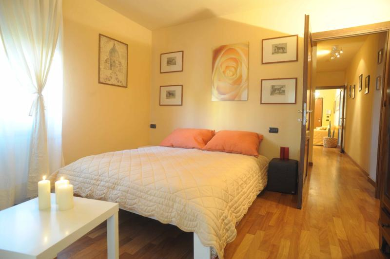 Main bedroom - Charming apartment in Lucca, Tuscany - Lucca - rentals