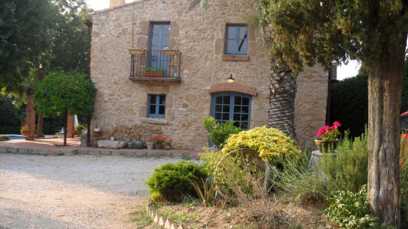 house - Can Baró + pool, Orriols- 15 minutes to Costa Brava beaches. Sleeps 8 - Orriols - rentals