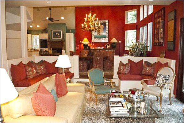 High Ceilings and Beautiful Furnishings in the Living Room - Large Home In the Bigwood Subdivision - Unique Art & Antiques Throughout (1246) - Ketchum - rentals