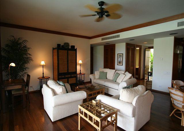 Luxury Living Room - SPRING SPECIAL 7TH NIGHT FREE - 2 Bedroom 2 Bath Luxury Condo - Kamuela - rentals
