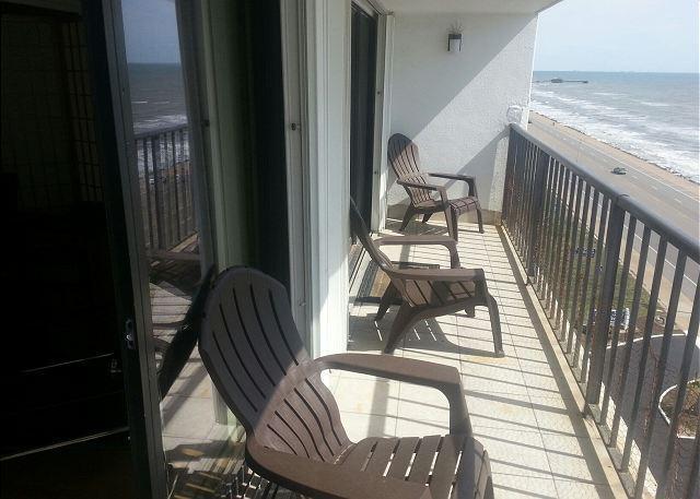 By the Sea #905, Wi-Fi, Ocean View, Wheelchair Acc., Pet Friendly - Image 1 - Galveston - rentals