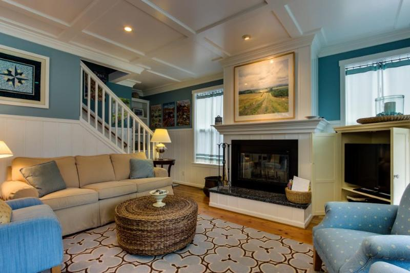 Gorgeous, stylish family home with a game room - close to the beach! - Image 1 - Depoe Bay - rentals