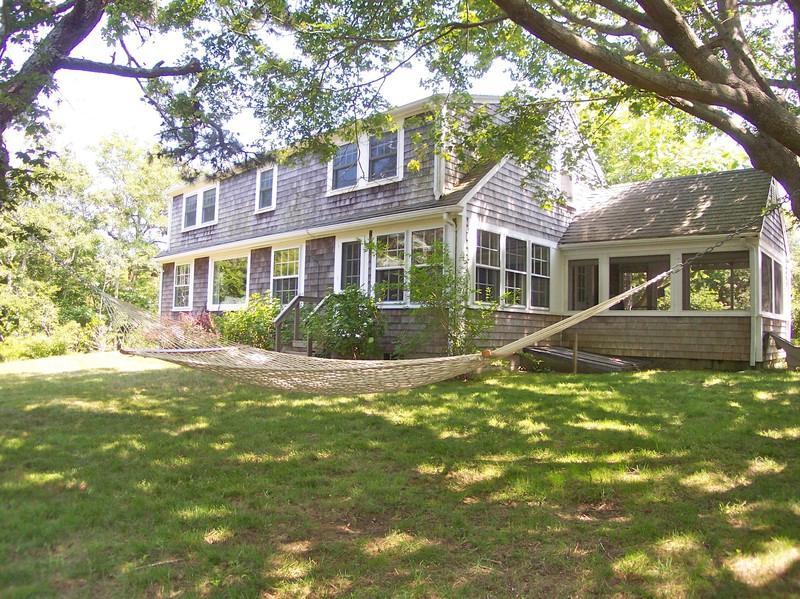 031-B - 031-B Cottage charm with updates, 2 min.to beach. - Brewster - rentals