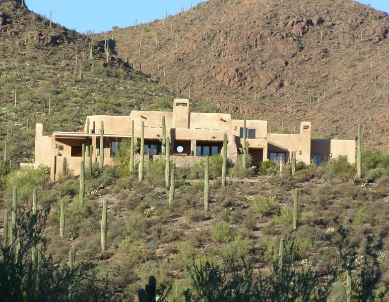 Hilltop Luxury amongst the dramatic lush cacti - Tucson Luxury Bed and Breakfast - Quail's Rest - Tucson - rentals