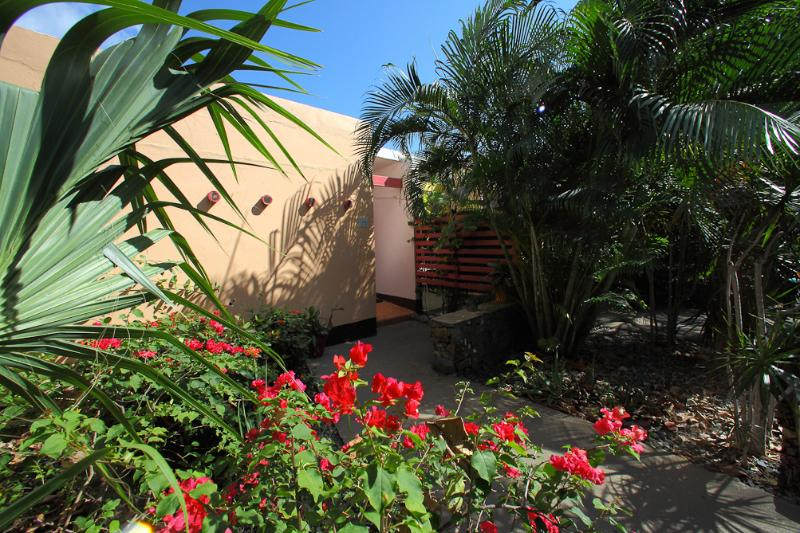 Welcome to paradise! - Villa in Paradise w/Private Pool!  Walk to beach! - East End - rentals