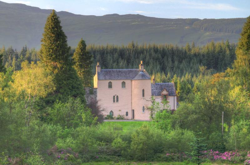 Recently renovated 500 year old Scottish castle. - Image 1 - Aberfoyle - rentals
