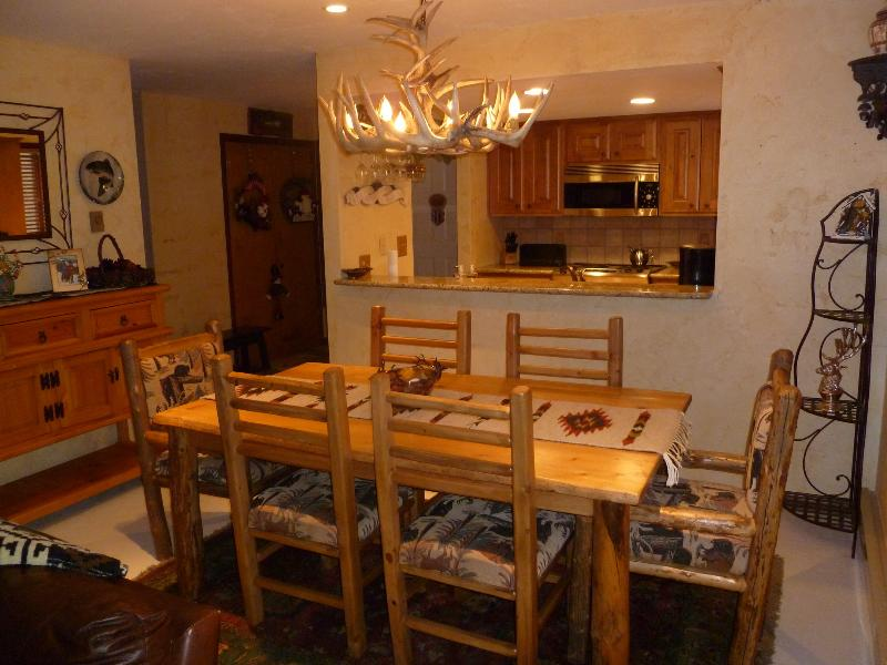 Beautiful Vail condo w/hot tub and Low Rates - Image 1 - Vail - rentals