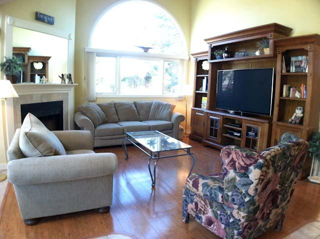 Living Area - Ocean Edge with A/C, King Bed, close to pool (fees apply) - EN0542 - Brewster - rentals