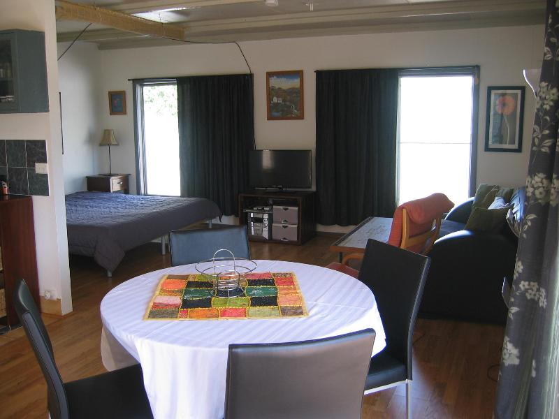 1 Bedroom Beach Studio in Lancelin- Studio 7 - Image 1 - Lancelin - rentals