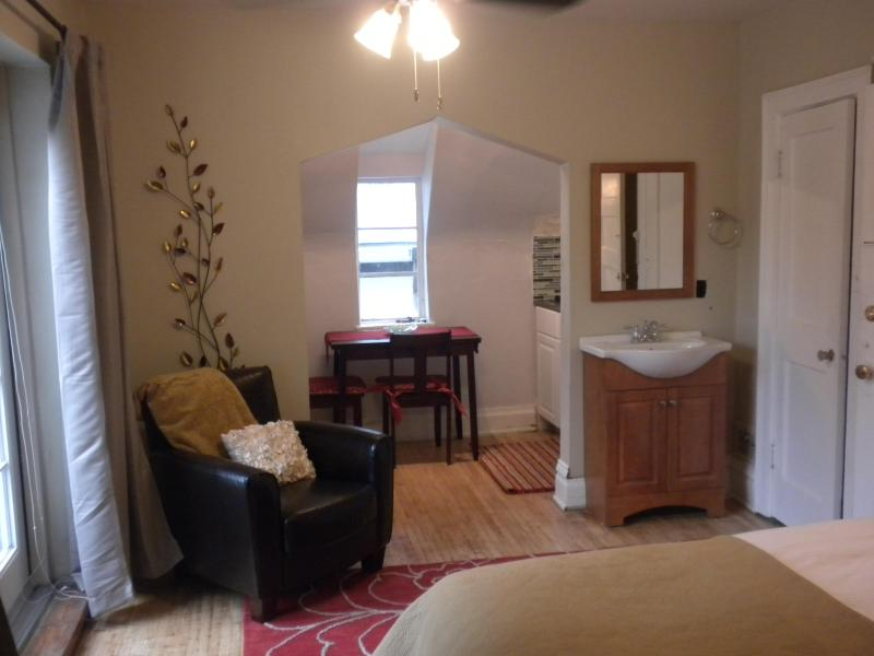 ***** Sunny Studio Top Location w/ Private Balcony - Image 1 - Denver - rentals