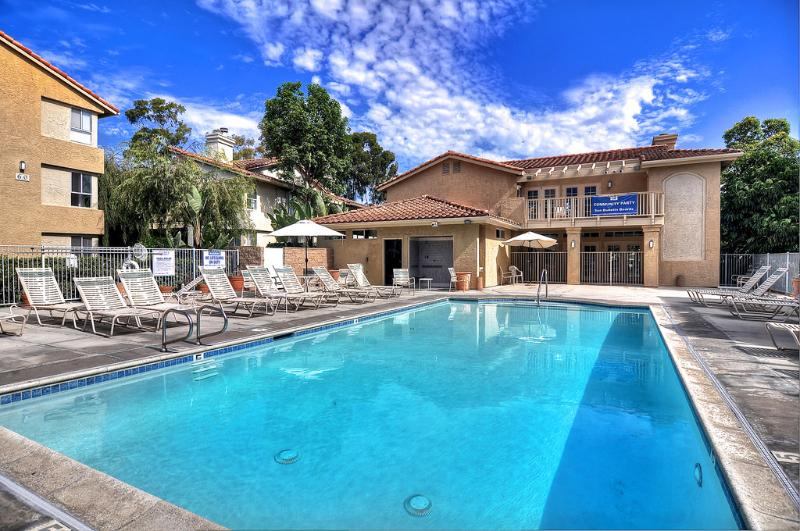 Enjoy the pool while you stay with us - Luxury apartment in Dana Point w/community pool. - Dana Point - rentals