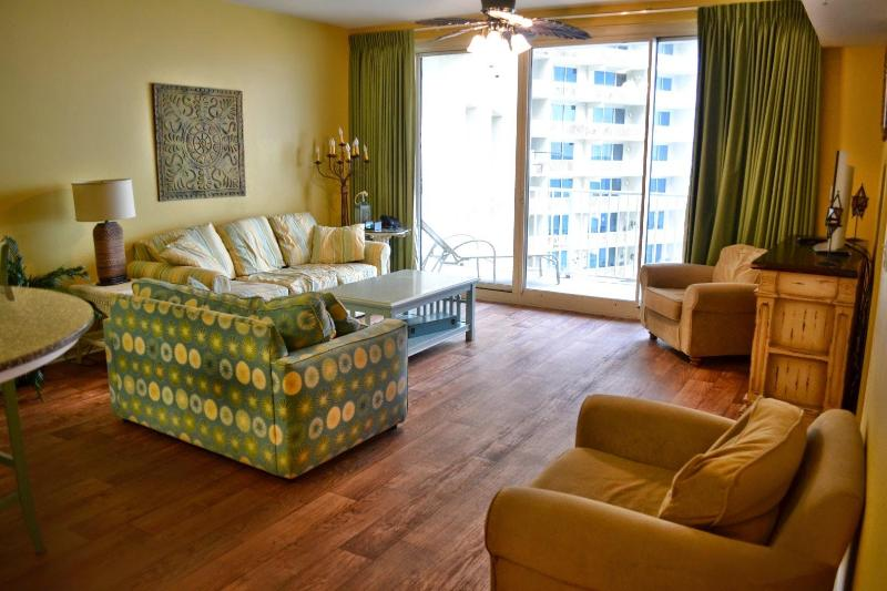 Living area with beach/pool view - $1200/week SPRING SPECIAL RATE! Shores 1316 - Panama City Beach - rentals