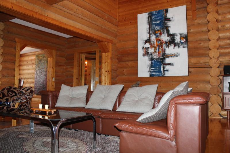 Living room - Middle Village , Fantastic Location Niseko Ski Cabin - Kutchan-cho - rentals