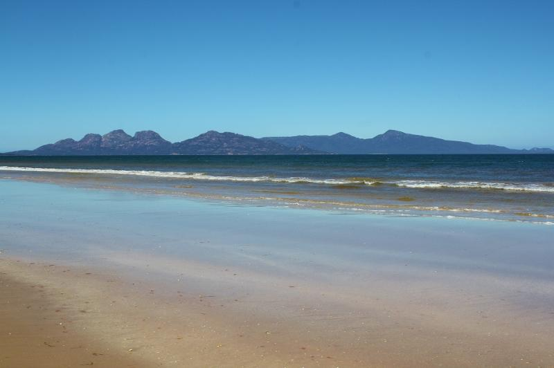 Freycinet Peninsula from Dolphin Sands - Beach Haven at Dolphin Sands, Nine Mile Beach - Swansea - rentals