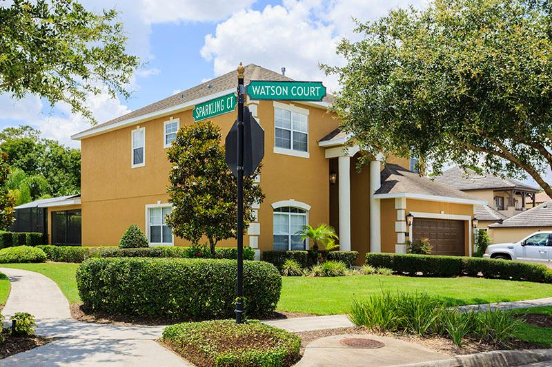Sides and Fronts onto Watson Golf Course- Backs onto Conservation and is private - Reunion Resort Best Location***Golfers Dream***5 Miles to Disney/ Greatest Value for Price - Reunion - rentals