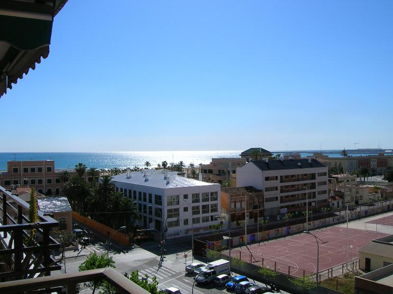 Amazing views! Apartment in Malvarrosa's Beach - Image 1 - Valencia - rentals