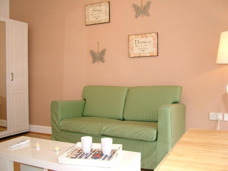Bright serviced studio in Angel - Image 1 - London - rentals