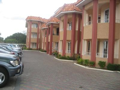 Entrance of the Complex - Golden Triangle Vacation Accommodation - Kingston - rentals