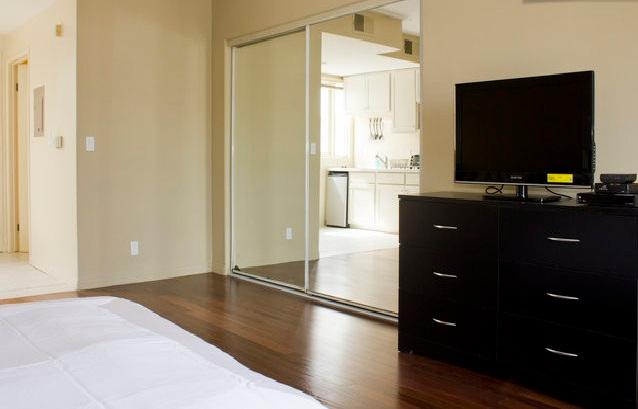300 Lux Executive Studio Near UCLA in prime area o - Image 1 - Los Angeles - rentals