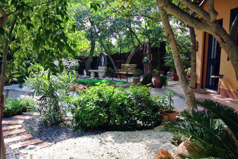 Typical house with big garden in nature and relax - Image 1 - Acireale - rentals