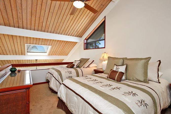 Unit 05 Ocean Front Prime Luxury 2 Bedroom Condo - Image 1 - Lahaina - rentals
