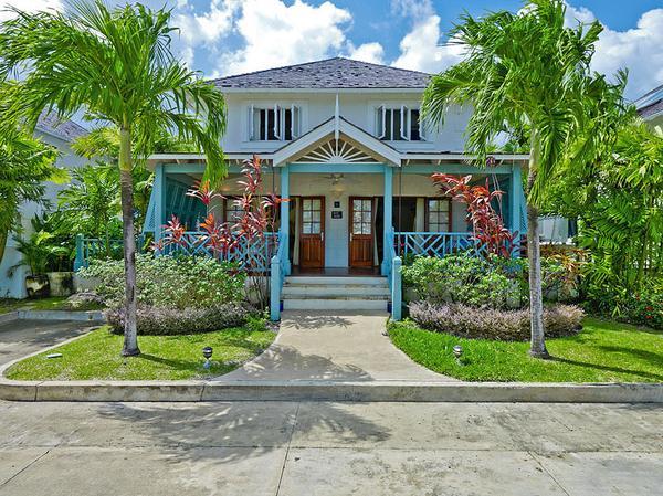4 Bed Luxury Barbados Rental Villa, Pool and Beach - Image 1 - Saint James - rentals