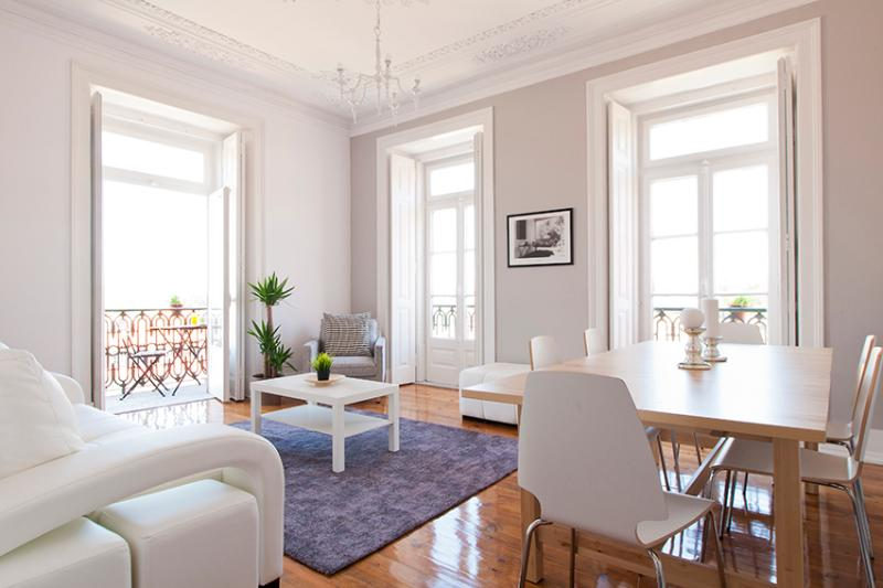 Living room with a fantastic view over the city - Bairro Alto Lisbon Apt, 7 Rooms Up To 20 Guest - Lisbon - rentals