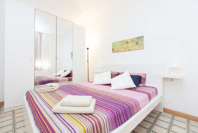 Main bedroom with double bed - PLAZA ESPAÑA FIRA - Barcelona - rentals