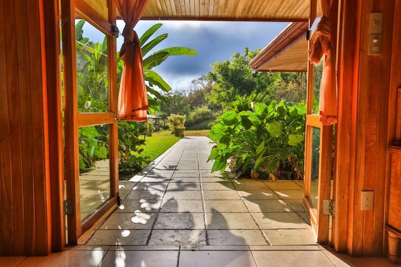 The front entrance - Casa de Linda in La Legua, Puriscal, Costa Rica - San Jose - rentals